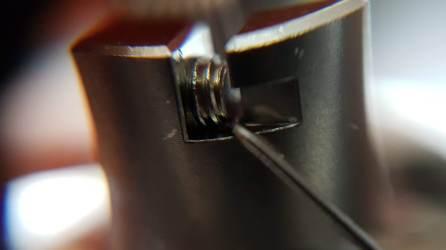 Vis de serrage du coil